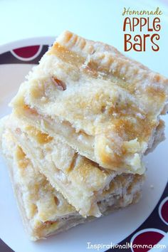 Apple Bars Homemade Apple Bars - A delicious homemade dessert with fresh apples layered on top of a light, flaky crust.Homemade Apple Bars - A delicious homemade dessert with fresh apples layered on top of a light, flaky crust. Mini Desserts, Homemade Desserts, Just Desserts, Delicious Desserts, Yummy Food, Healthy Apple Desserts, Health Desserts, Apple Pie Recipes, Fruit Recipes