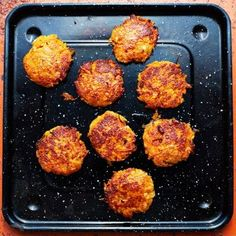 carrot and halloumi patties. Raw Food Recipes, Veggie Recipes, Fish Recipes, Cooking Recipes, Quick Vegetarian Meals, Dessert For Dinner, No Cook Meals, Food For Thought, Food Hacks