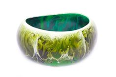 green accessories,,,Loves the bowl and how its green...beautiful decoration for house