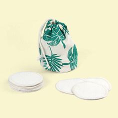 You don't need to spend a penny to start cutting back on your waste - but if you are looking for a zero waste, plastic free or sustainable treat, or a gift for someone special, I've rounded up some beautiful luxury items to get you started!