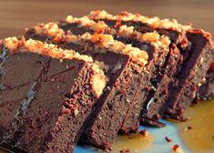 Prăjitură fără zahăr, cu fasole rosie Tasty, Yummy Food, Raw Vegan, Healthy Desserts, Yogurt, Vegetarian, Chocolate, Sweet, Fără Gluten