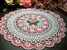 Tecendo Artes em Crochet: Duas Toalhinhas Lindas com Gráficos! **could be the next Between Meal Centerpiece CAL? :)