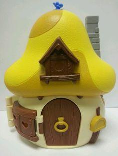 The-Smurfs-Greedy-Smurf-Mushroom-House-2008-Jakks-Peyo