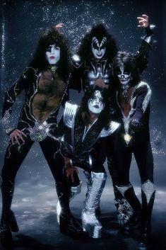 Rock Vintage, Vintage Kiss, Rock Band Posters, Rock Poster, Paul Stanley, Gene Simmons, Kiss Rock, Banda Kiss, Kiss Art
