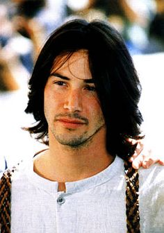 I wish Keanu would wear his hair like this more often.