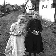 Alter, Creativity, Black And White, Couple Photos, Couples, Children, Dresses, Vintage Photos, Couple Shots