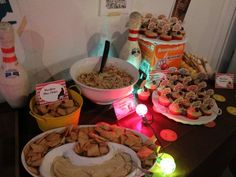 lebowski party food table