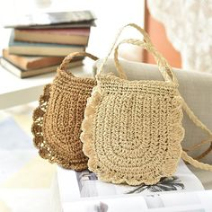 Straw Casual Light Trave Bag Small Phone Bag Beach Bags is designer, see other cute bags on NewChic. Crochet Handbags, Crochet Purses, Crochet Bags, Diy Handbag, Diy Purse, Small Shoulder Bag, Knitted Bags, Bead Crochet, Small Bags