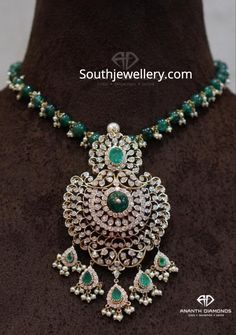 Emerald bead necklace with diamond pendant - Indian Jewellery Designs Bridal Jewelry, Beaded Jewelry, Beaded Necklace, Bead Jewellery, Necklace Set, Emerald Jewelry, Diamond Jewelry, Gold Jewelry, Gold Necklaces