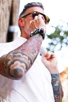 what does younger Nick Wooster look like? sleeve tats and wrap back band. Nick Wooster, Diskrete Tattoo, Sick Tattoo, Body Art Tattoos, Mandala Tattoo, Trendy Tattoos, Tattoos For Guys, Cool Tattoos, Tatoos
