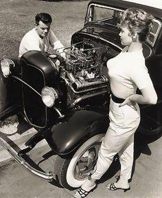 Mode Vintage, Vintage Cars, Antique Cars, Vintage Diy, Vintage Glamour, Pinup, Car Girls, Girls Wear, Rockabilly Mode