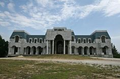The front of Versailles 90,000 sq foot home in Lake Butler home. Built by David Siegal before funds ran short. Now contruscion has been put on hold. The price tag of this mansion is $100,000,000 complete and $75,000,000 as is.