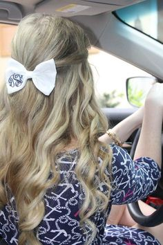 momogrammed bow and curls = perfection and a Lilly dress