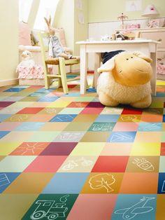Nome: 7 Ideias incríveis de pisos para quarto de bebê e infantilShort Description: Se você está em busca de ideias de pisos para quarto de bebê e infantil, procuramos reunir alguns tipos de pisos para lhe ajudar a fazer a escolha do melhor piso, sempre pensando na segurança e no conforto do seu filho. Confira! Playroom, Kids Rugs, Quilts, Blanket, Blog, Home Decor, Bedroom Ideas, School, Google