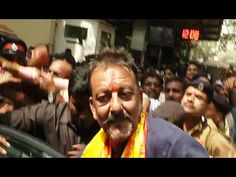Sanjay Dutt visits Siddhivinayak Temple after release from Yerwada Jail.