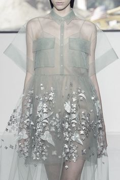 Whether it be sexy or sweet, you're going to want something sheer for spring 2015.  // Delpozo S/S 2015 Hienoa tyllia''