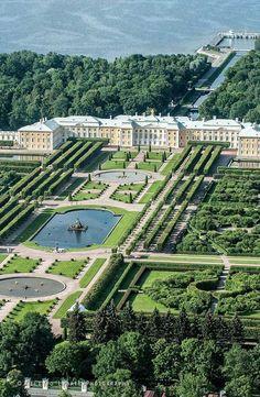Beautiful Castles, Beautiful Gardens, Beautiful Architecture, Landscape Architecture, India Architecture, Gothic Architecture, Ancient Architecture, Peterhof Palace, Dream Mansion