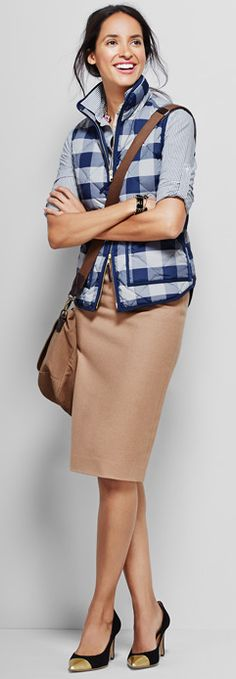 Navy Buffalo Check Vest, no 2 Pencil, cross-shoulder bag - add a hint of cabin relaxation into your work look Work Fashion, Modest Fashion, Fall Winter Outfits, Autumn Winter Fashion, Divas, Winter Stil, Chanel, Work Attire, Mode Inspiration