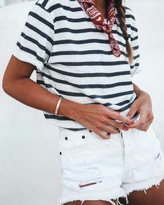 Style à bord #lookdujour #ldj #nautical #stripes #whitedenim #shorts #navy #basics #bandana #ootd #outfitideas #outfitinspo #inspiration #style #regram @lovelypepa
