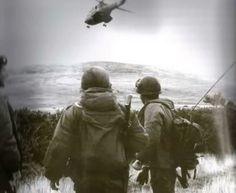 Helicóptero Puma de la Av Ej despegando