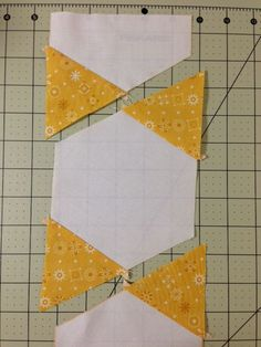 Tutorial for Hexagon Star quilt.Hexagon star tutorial with no Y-seamsHexagons sewn in rowsPinner said.I recently posted some snapshots of this quilt in various places… …and I have gotten some great feedback and requests for a pattern. Quilting Tutorials, Quilting Projects, Quilting Designs, Embroidery Designs, Quilting Tips, Triangle Quilt Tutorials, Hexagon Quilt Pattern, Quilt Block Patterns, Pattern Blocks