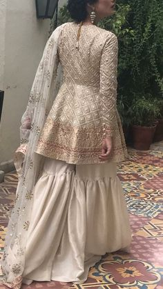 Eid outfits - Bridal gharara set for nikah bride in offwhite color with golden work ModelW 537 Pakistani Party Wear, Pakistani Wedding Outfits, Pakistani Dress Design, Pakistani Dresses, Pakistani Mehndi Dress, Pakistani Salwar Kameez, Indian Party Wear, Anarkali, Desi Wedding Dresses
