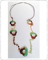Cho205 Collar largo y piedras en flor