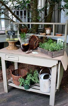 potting bench for beverages