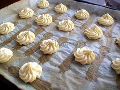 Ecler - reteta si cateva sfaturi | Laura Laurențiu Eclairs, Creme, Deserts, Pudding, Food, Sweet Treats, Desserts, Meal, Custard Pudding
