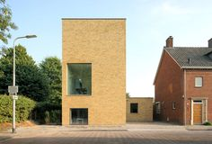 Thomas Bedaux of Bedaux de Brouwer Architecten designed this single family residence for his family on the edge of a residential area in Tilburg, the Netherl...