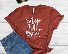 Snap Edit Repeat Shirt Graphic T-Shirt Graphic Tees Photographer Shirt Women - Rad Shirt - Ideas of Rad Shirt - Snap Edit Repeat Shirt Graphic T-Shirt Graphic Tees Photographer Shirt Womens T-Shirt Customized Shirt Photo Shirt Bleach Shirts, Vinyl Shirts, Custom Shirts, Yearbook Shirts, Tshirt Photography, Personalized Shirts, Diy Shirt, Branded T Shirts, Shirt Ideas
