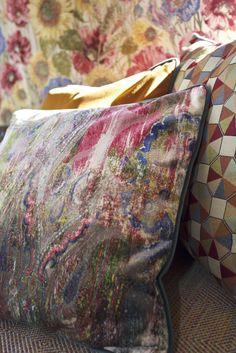 #Evofabrics #Decoration #Geometric #Fabrics #Cushions #Sofa #Upholstery #WeloveDecoration