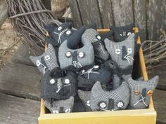 Adorable box of primitive cloth kitties!
