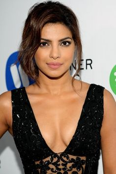 Priyanka Chopra sexy pics are an eye feast for her fans. Here are the bold, semi and hot images of Priyanka Chopra from her hot photoshoots. Do check out images of Priyanka Chopra in bikini, saree, etc Quantico Priyanka Chopra, Priyanka Chopra Makeup, Photos Of Priyanka Chopra, Priyanka Chopra Hot, Bollywood Actress Hot Photos, Bollywood Girls, Bollywood Actors, Bollywood Celebrities, Bollywood Fashion