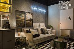 Sala de estar da Célula Mude, apartamento de 35m² projeto pelo Studio Leandro Neves na mostra de decoração Morar Mais por Menos 2016, no Rio de Janeiro.