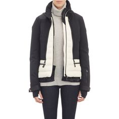 Moncler Women's Nizza Down Jacket Size 0 (XS) (16,375 CNY) ❤ liked on Polyvore featuring outerwear, jackets, black, fur jacket, down filled jackets, toggle down jacket, logo jackets and color block jacket