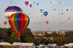 2009 Bristol Balloon Fiesta by Canis Major, via Flickr