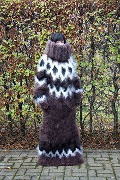 Thick mohair very long sweater . Fluffy Sweater, Angora Sweater, Big Sweater, Gros Pull Mohair, Chunky Knitwear, Maxi Robes, Catsuit, Winter Hats, Lingerie