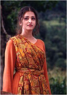 15 Pictures Of Aishwarya Rai Without Makeup