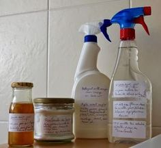 Clean everything in the house with 3 products: baking soda, vinegar and soap .