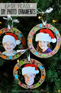 Make these DIY Christmas Photo Ornaments at Home to Peer Grandparents . Make these DIY Christmas Photo Ornaments at Home to Peer Grandparents . Diy Photo Ornaments, Photo Christmas Ornaments, Diy Christmas Presents, Presents For Mom, Ornament Crafts, Kids Christmas, Christmas Crafts, Christmas Decorations, Easy Ornaments
