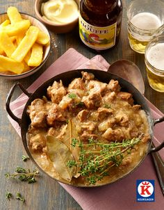 Stoofvlees op grootmoeders wijze: sukade zachtjes gestoofd in bouillon en bier.