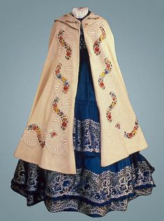 Burnous  Russia. 1860s  Cloth, silk thread and tassels; embroidered.