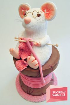 The Castle's Mouse Knitting