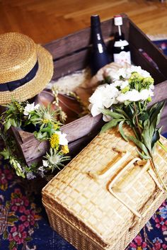 """""""A picnic is more than eating a meal, it is a pleasurable sate of mind.""""  ― DeeDee Stovel"""