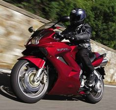 Honda VFR800 V-Tec motorcycle review - Riding