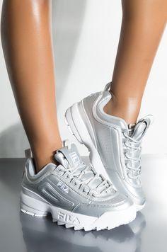 Dress With Sneakers, Girls Sneakers, Sneakers Fashion, Fashion Shoes, Shoes Sneakers, All Nike Shoes, Dad Shoes, Popular Sneakers, Popular Shoes
