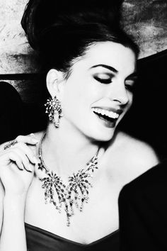 Moira Hughes // Anne Hathaway // smile // actress // icon // Facebook:moirahughescouture