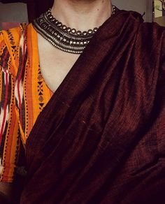 Looking for necklace to wear with sarees? Here are adorable necklace designs that you can wear from trendy to traditional sarees. Indian Attire, Indian Wear, Indian Outfits, Indian Clothes, Indian Style, Indian Dresses, Sari, Saree Dress, Ethnic Fashion