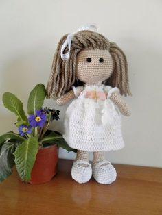 Crochet Doll Pattern https://uk.pinterest.com/pin/566679565594143029/